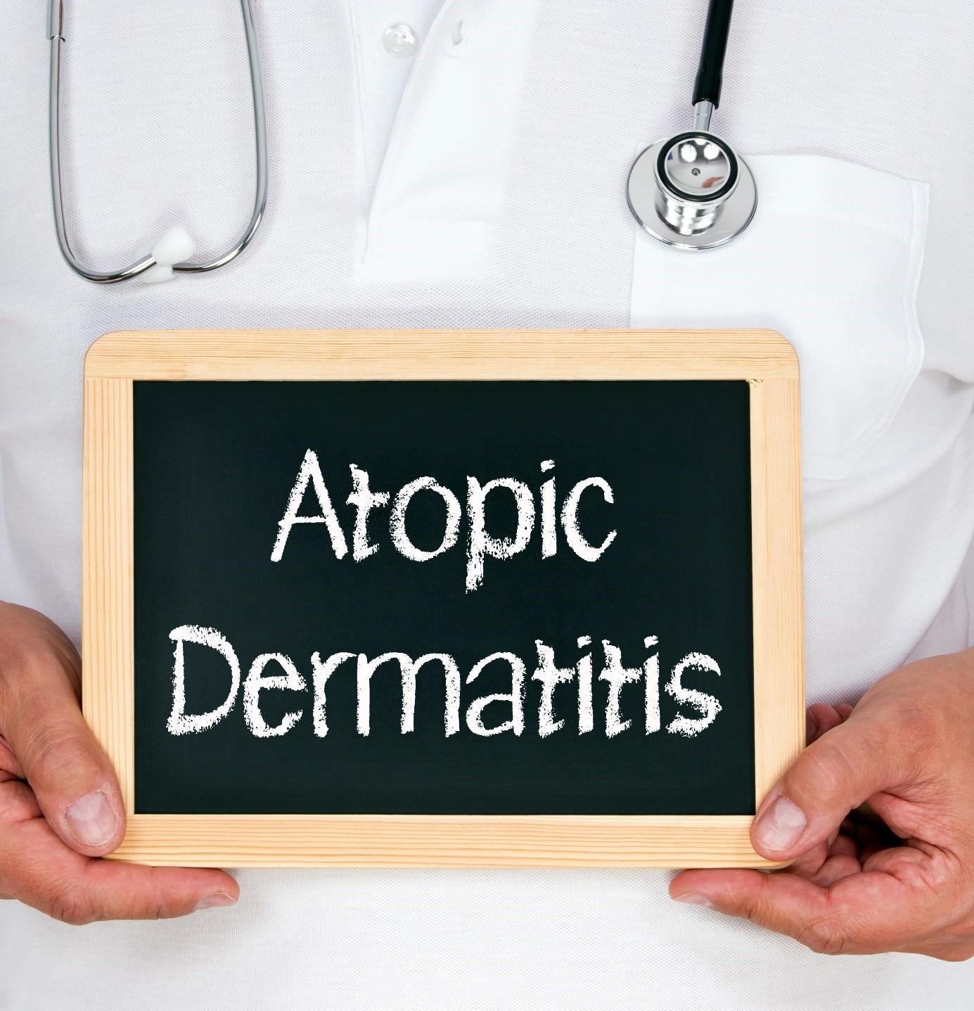 Tacrolimus Melhora a Integridade do Estrato Córneo em Pacientes com Dermatite Atópica